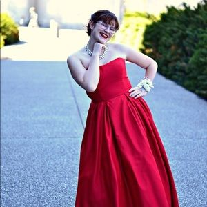 Red prom dress - WITH POCKETS